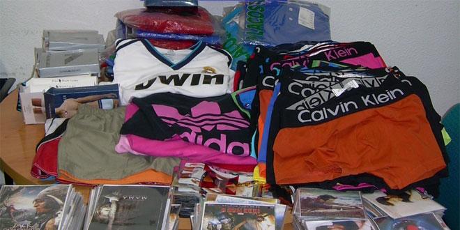 Redada contra las falsificaciones en el mercado de La Murada