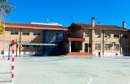 El Ayuntamiento reorganiza la plantilla municipal para cubrir la falta de personal en el colegio Miguel de Cervantes