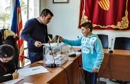 Alumnos de Infantil y Primaria de Algorfa celebran la Constitución votando el nombre de la escuela infantil