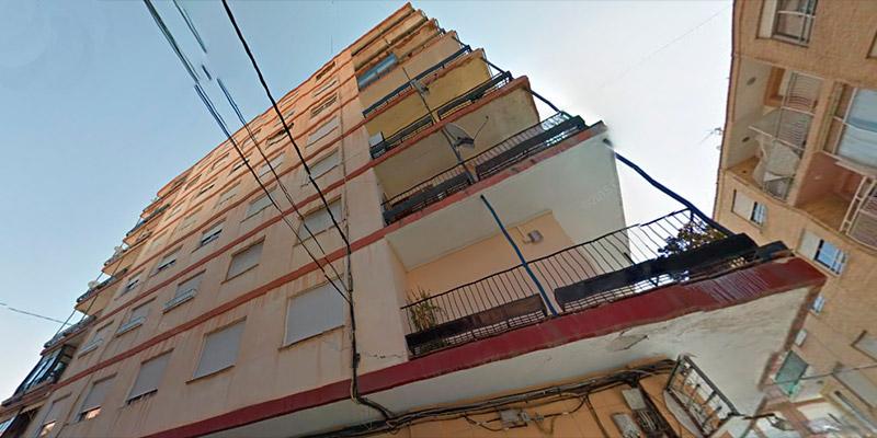 Desalojan un edificio de ocho pisos en Callosa al hundirse una vivienda