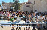 Casi 200 personas participaron ayer en el record nacional de elaboración de alioli tradicional