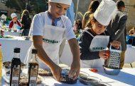 Chef Junior Benejúzar reúne a 15 niños cocinando recetas con ajo y aceite