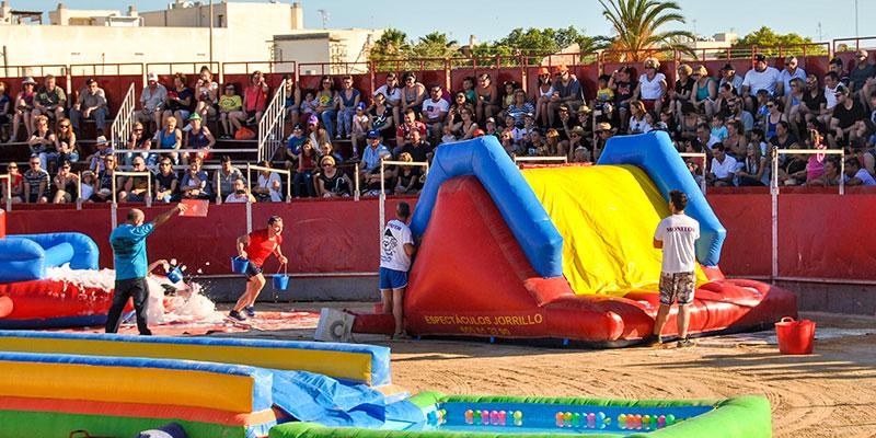 La combinación entre el concurso Grand Prix y Humor Amarillo congrega a más de 2.000 personas en Benejúzar