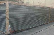 La Policía Local recupera las lonas decorativas robadas en la plaza de Santiago