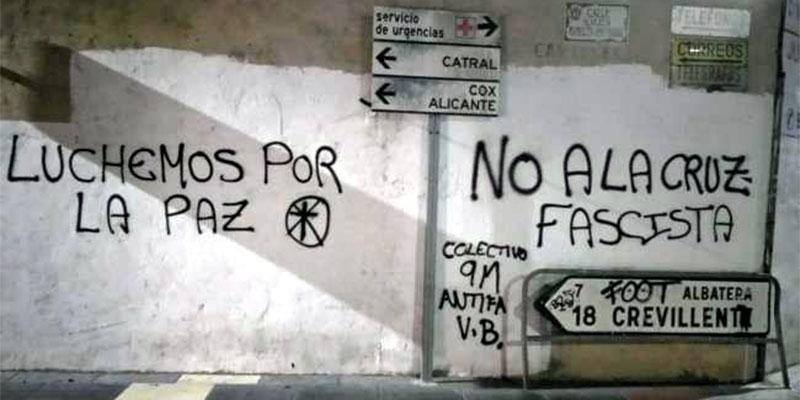 Denunciados tres oriolanos tras pillarles la Policía haciendo pintadas antifascistas en Callosa