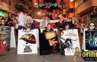 [Fotos] La Retreta Festera llenó de humor y color las calles de Orihuela