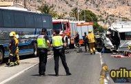 Un accidente entre en un autobús y una furgoneta deja un muerto y un herido leve