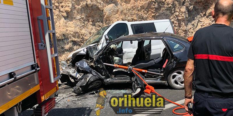 Tres heridos, uno de ellos grave, en un choque frontal la N-340 a la altura del túnel de Orihuela