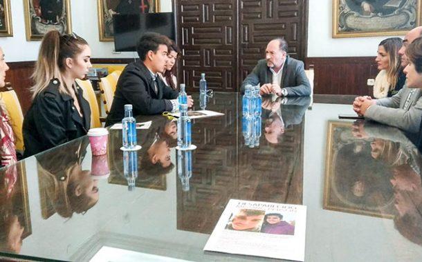 Orihuela muestra su apoyo a la familia de Henry Alejandro, el joven desaparecido desde el pasado 1 de enero