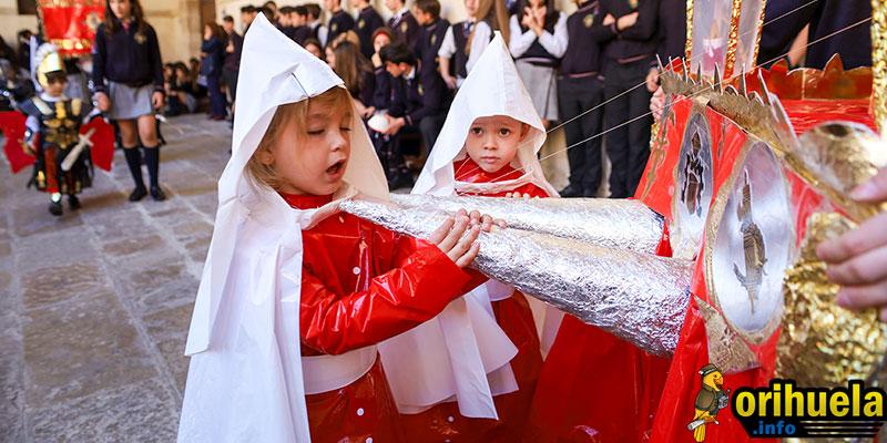 Fotos de la Procesión de Semana Santa del Colegio Santo Domingo