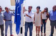 Orihuela ya luce las 11 Banderas Azules y las 5 Q de Calidad que certifican la calidad de sus playas