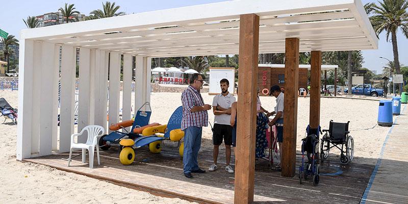 Orihuela dispone de cuatro zonas de baño adaptado en sus playas