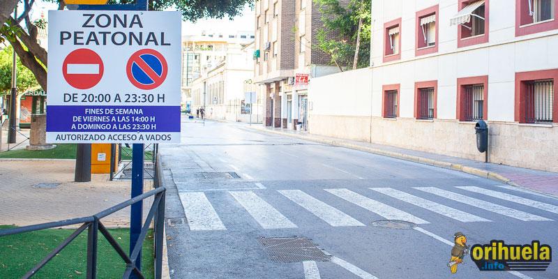 [FOTOS] Calles cortadas pero vacías y comerciantes molestos, así ha sido el primer día de peatonalización